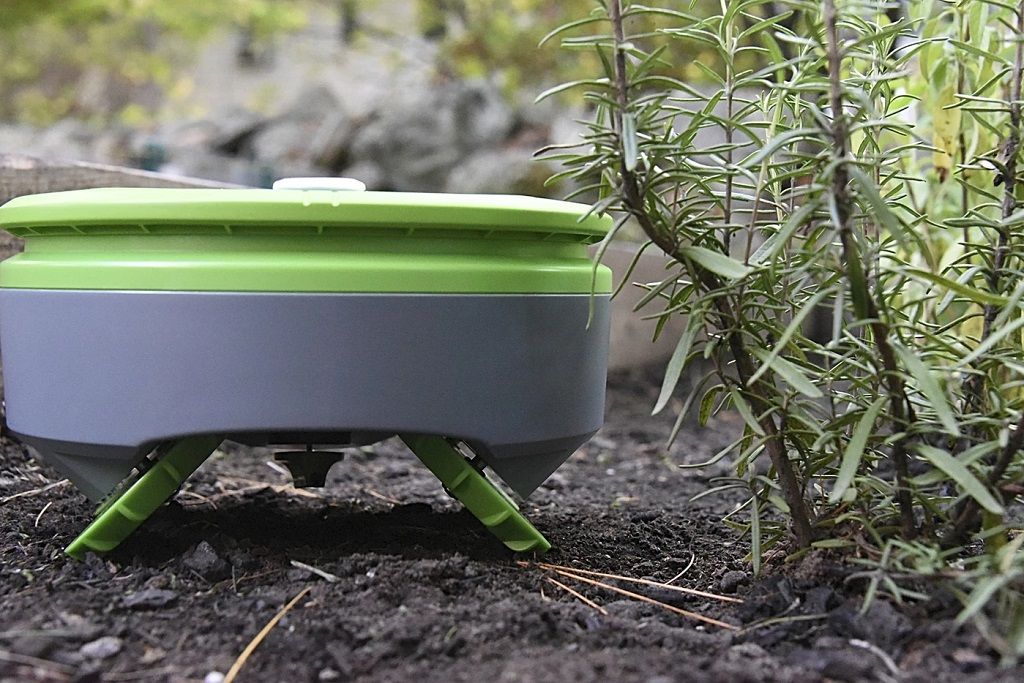 7 Ingenious Tech Products for Weed and Pest Control